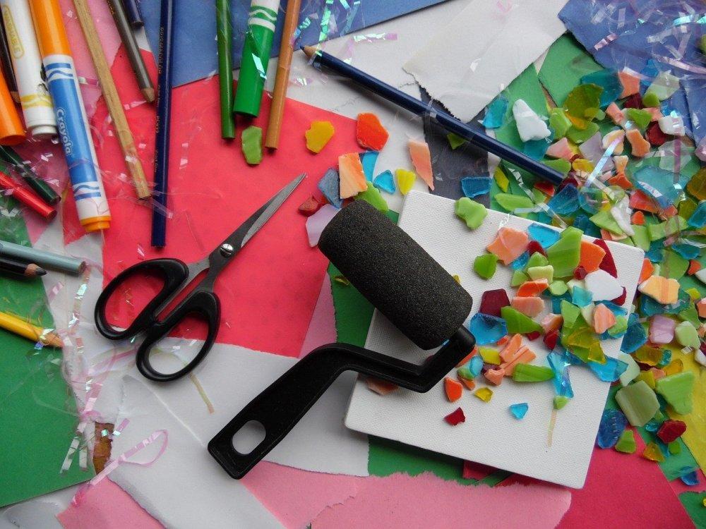 art-supplies-957576_1280